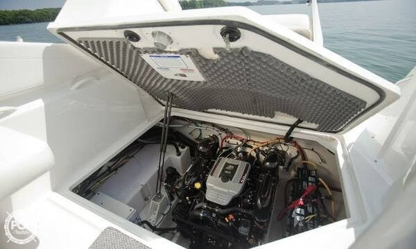 2010 Bayliner 255 SB Cruiser - Photo #3