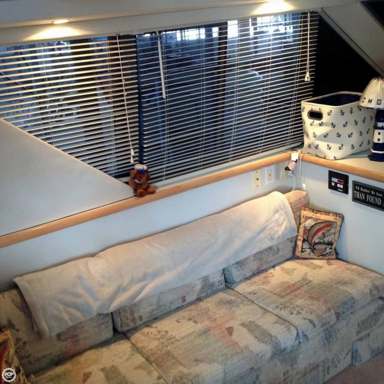 1995 Carver 325 Aft Cabin - Photo #5