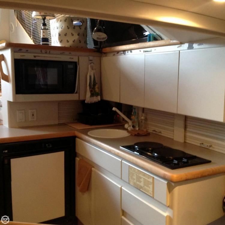 1995 Carver 325 Aft Cabin - Photo #11