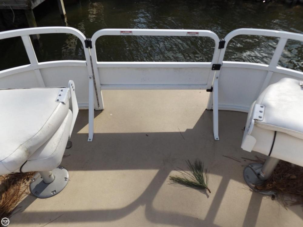 2011 Encore Boat Builders 200 Fish RE - Photo #9