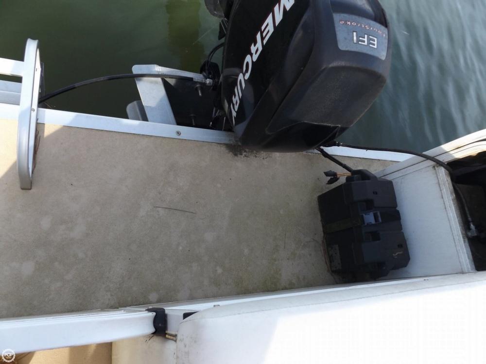 2011 Encore Boat Builders 200 Fish RE - Photo #16