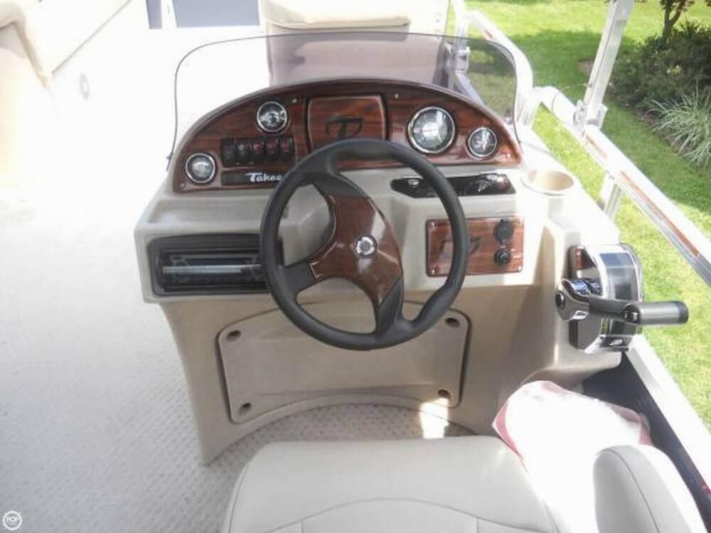 2011 Tahoe Pontoon 2300 LT Cruise - Photo #5