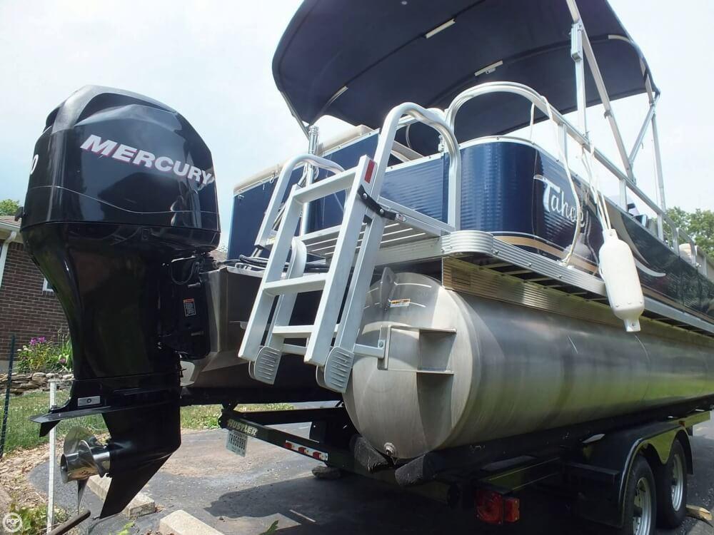 2011 Tahoe Pontoon 2300 LT Cruise - Photo #15
