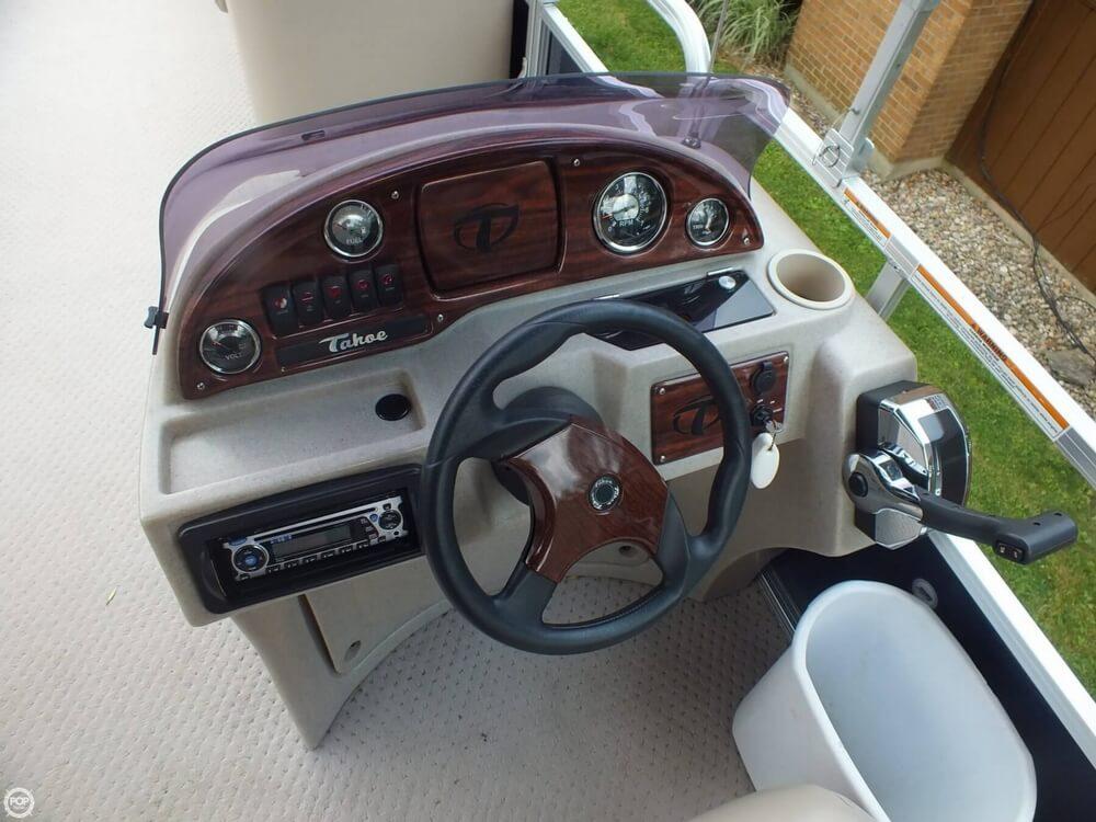 2011 Tahoe Pontoon 2300 LT Cruise - Photo #21