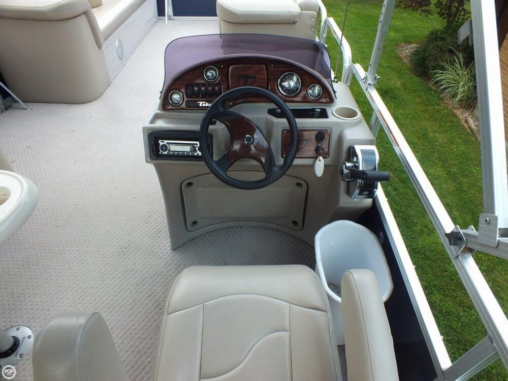 2011 Tahoe Pontoon 2300 LT Cruise - Photo #22