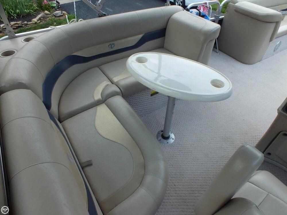 2011 Tahoe Pontoon 2300 LT Cruise - Photo #23