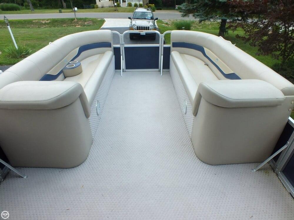 2011 Tahoe Pontoon 2300 LT Cruise - Photo #25