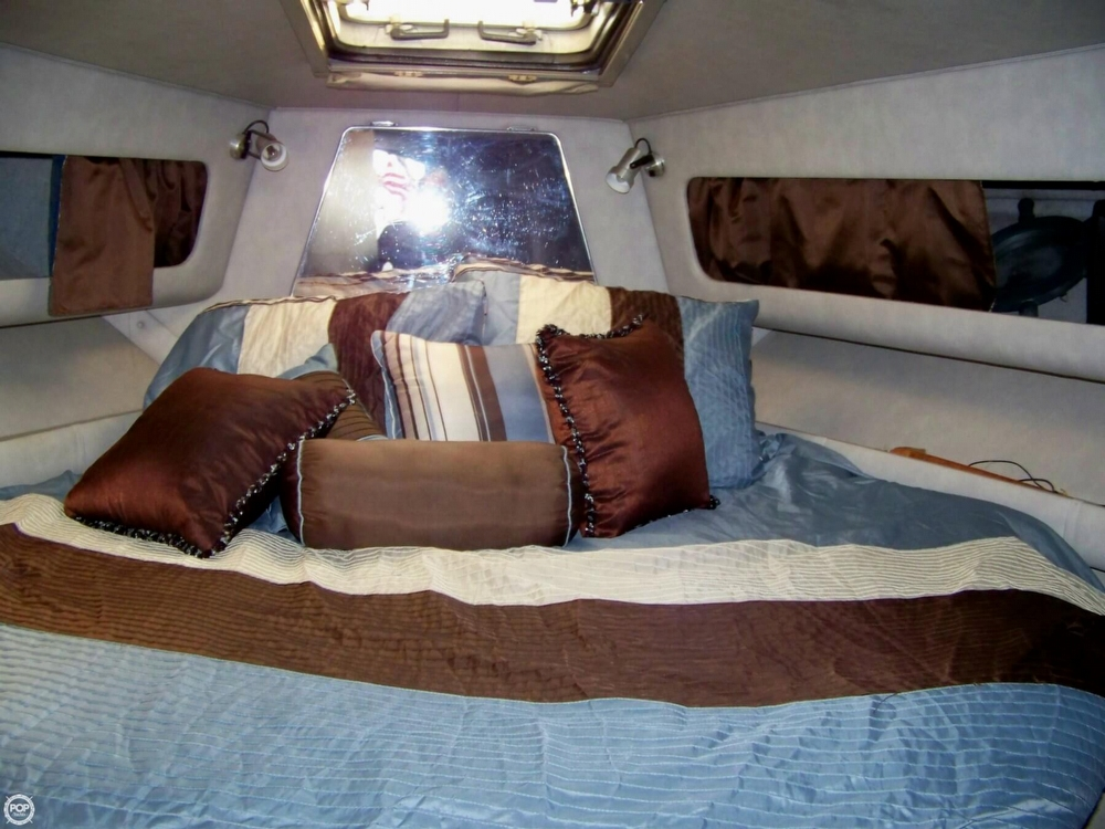 1987 Chris-Craft 412 Aerosport Cruiser - Photo #8