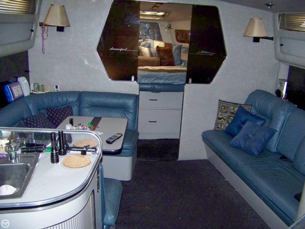1987 Chris-Craft 412 Aerosport Cruiser - Photo #9