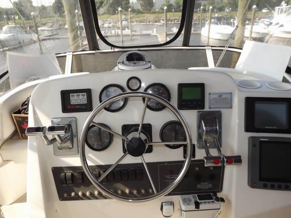 1999 Silverton 322 Motor Yacht - Photo #13