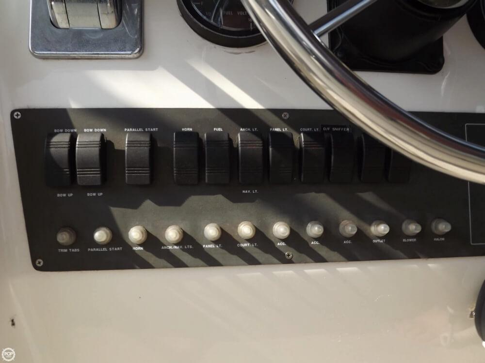 1999 Silverton 322 Motor Yacht - Photo #22