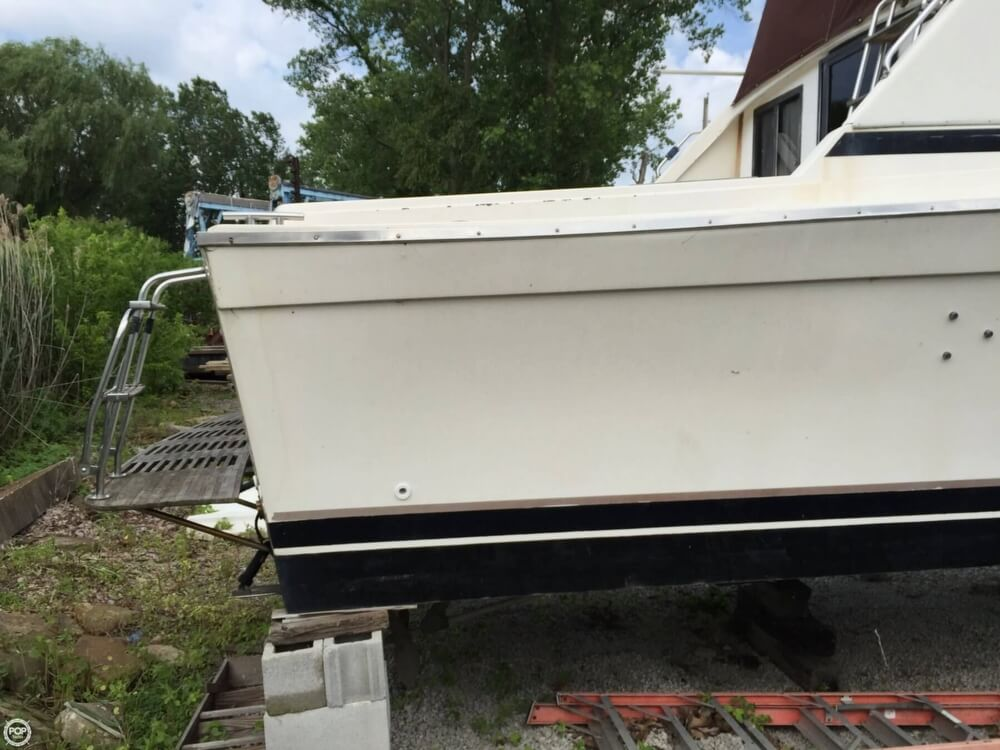 1980 Silverton boat for sale, model of the boat is 34 Sedan Cruiser & Image # 20 of 40