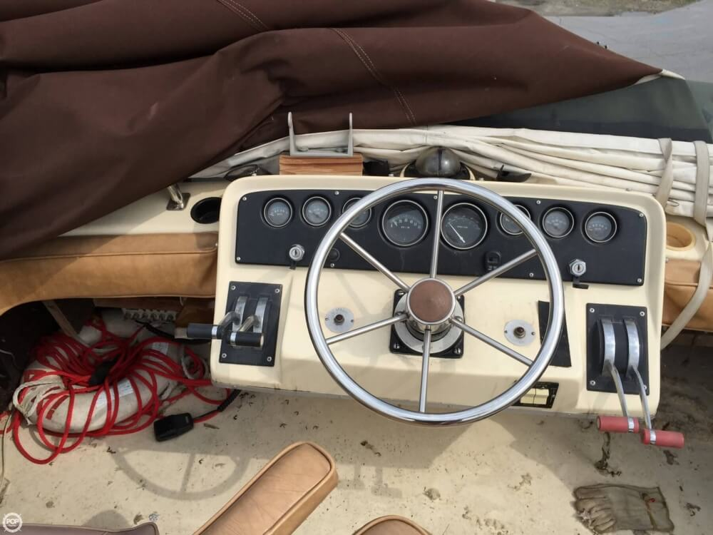 1980 Silverton boat for sale, model of the boat is 34 Sedan Cruiser & Image # 25 of 40