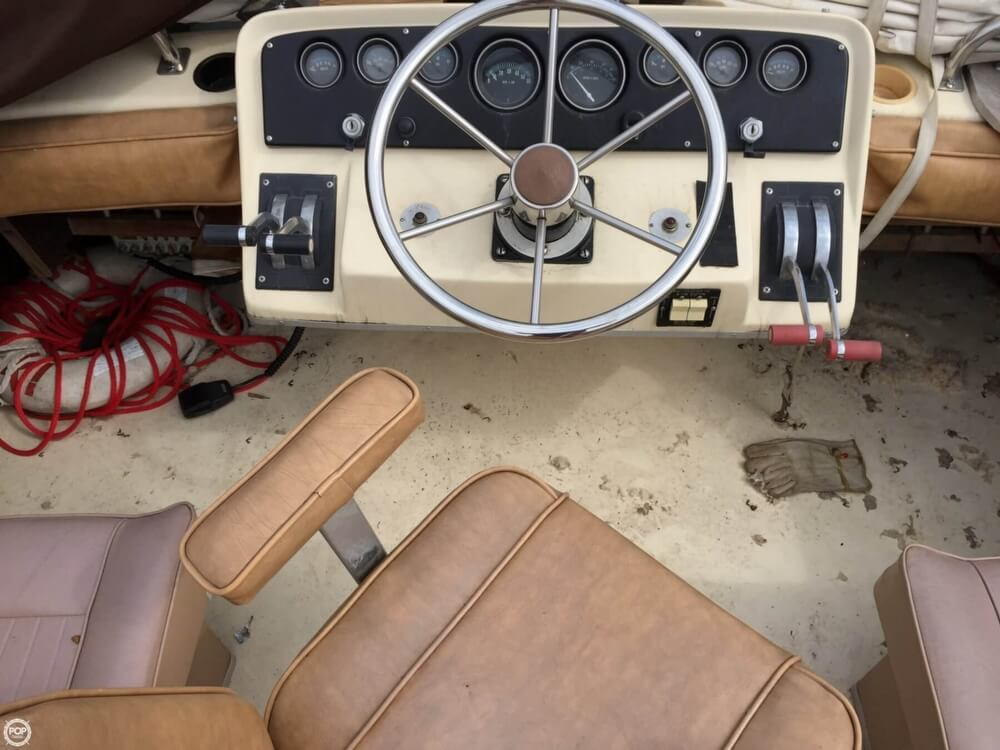 1980 Silverton boat for sale, model of the boat is 34 Sedan Cruiser & Image # 27 of 40