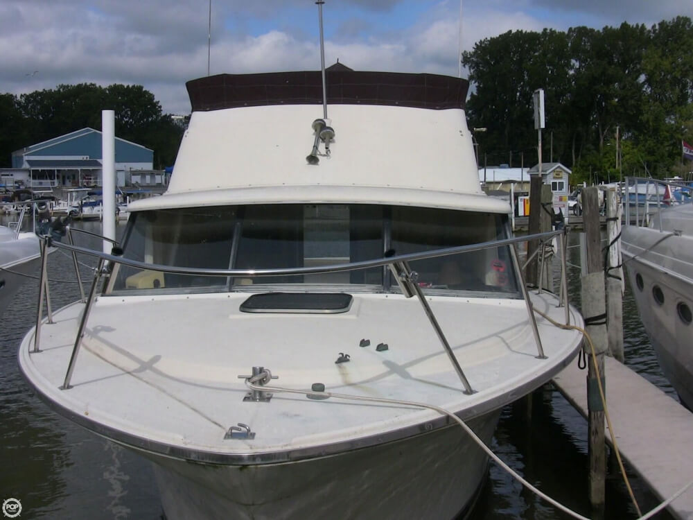 1980 Silverton boat for sale, model of the boat is 34 Sedan Cruiser & Image # 2 of 40