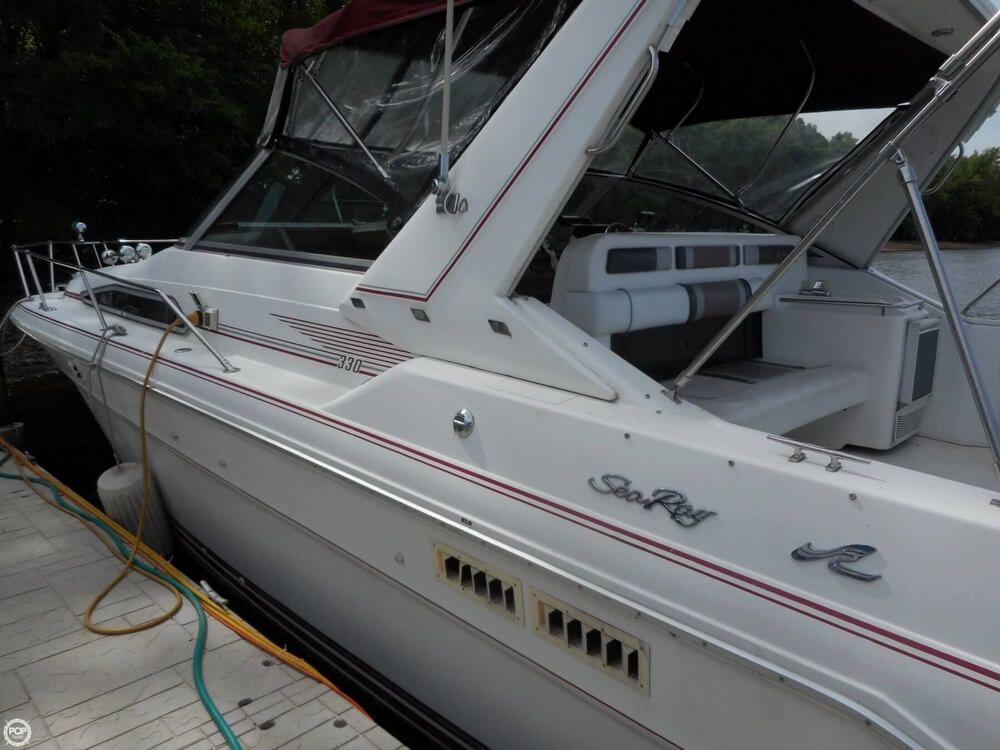 1990 Sea Ray boat for sale, model of the boat is 310 Sundancer & Image # 18 of 40