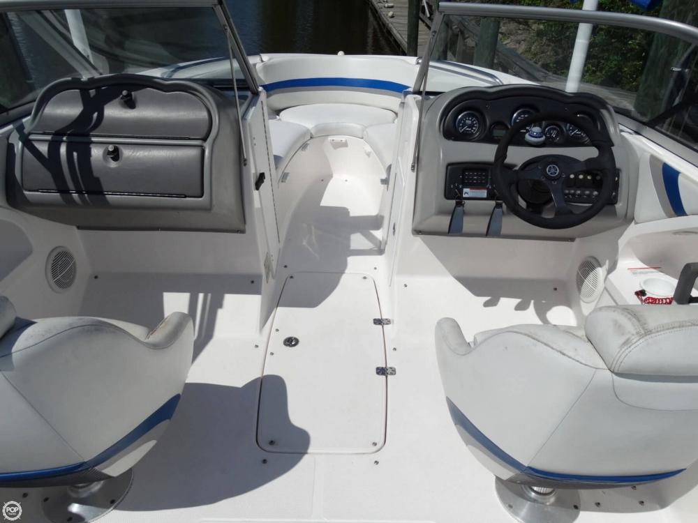 2004 Yamaha SX230 Jet Boat - Photo #9