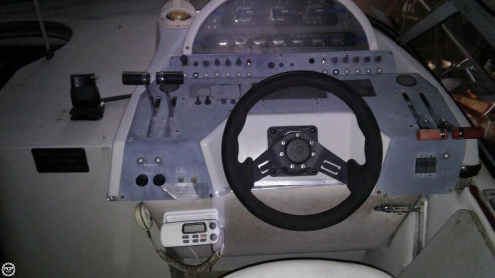 1988 Sun Runner 272 Ultra Cruiser - Photo #12
