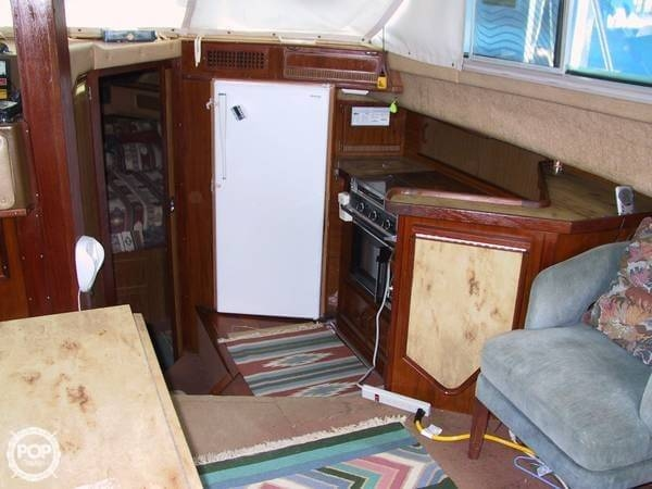 1983 Sea Ray 355 Aft Cabin - Photo #12