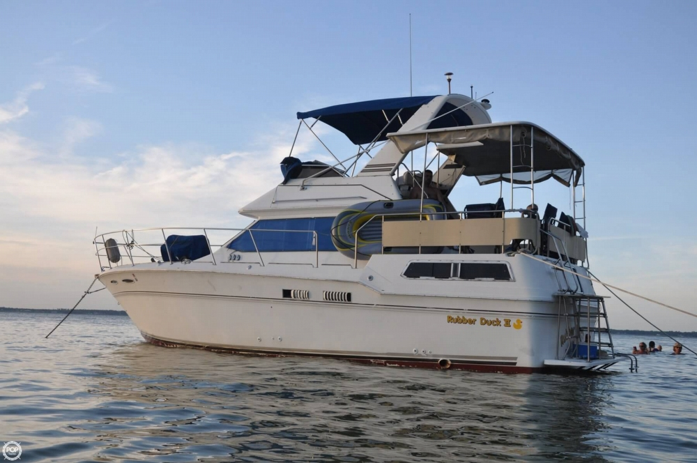 1983 Sea Ray 355 Aft Cabin - Photo #19