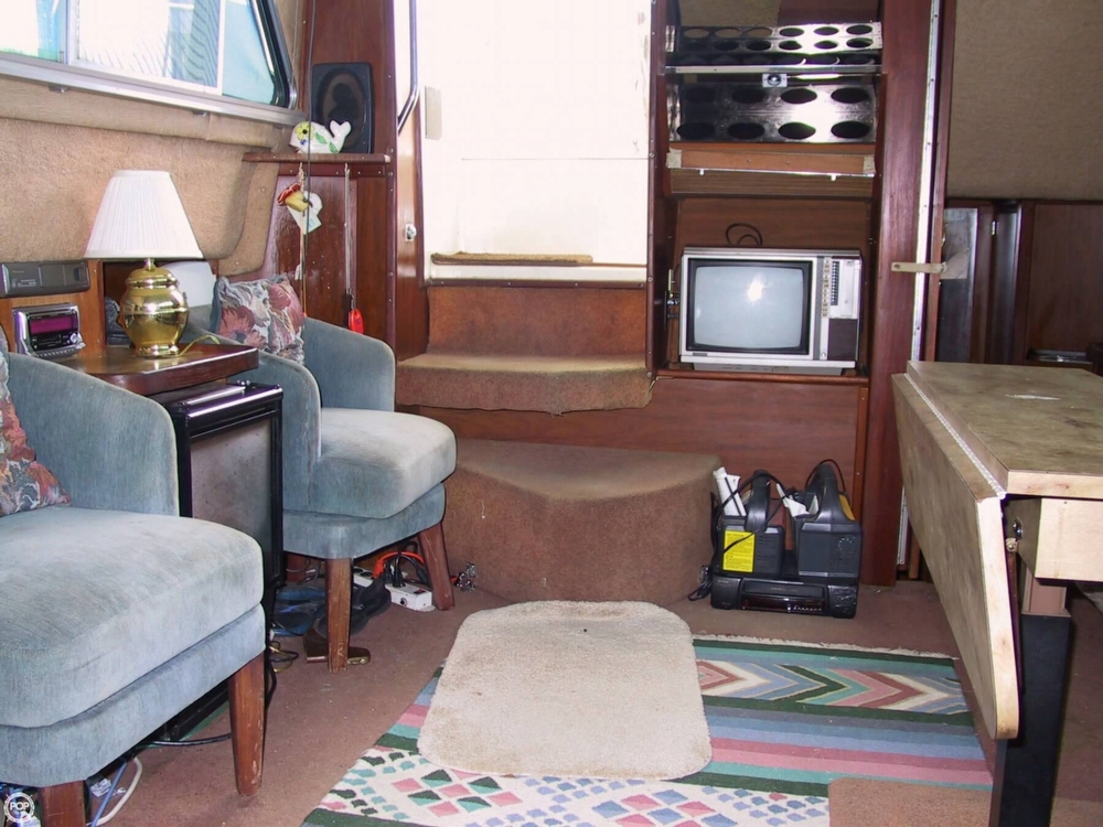 1983 Sea Ray 355 Aft Cabin - Photo #38