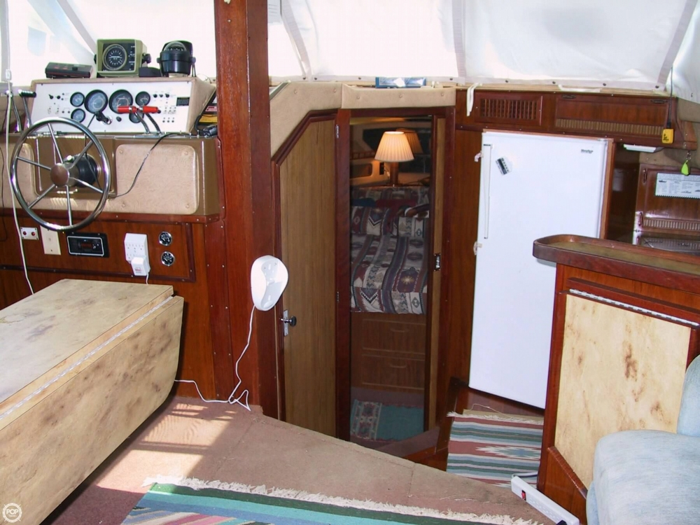 1983 Sea Ray 355 Aft Cabin - Photo #40
