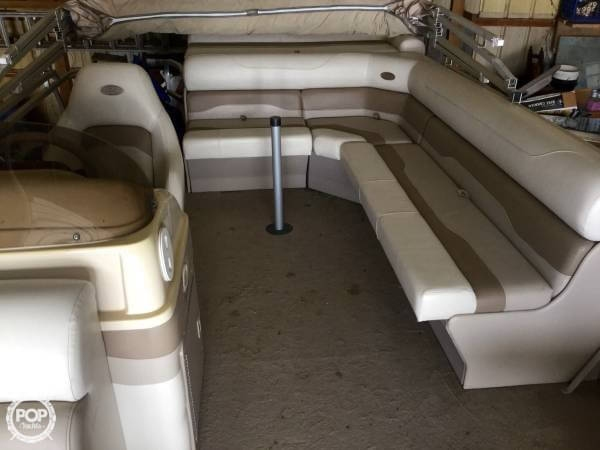 2004 Smoker Craft boat for sale, model of the boat is M 818 Infinity CR & Image # 3 of 40