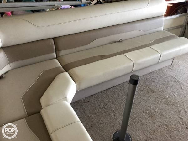 2004 Smoker Craft boat for sale, model of the boat is M 818 Infinity CR & Image # 8 of 40