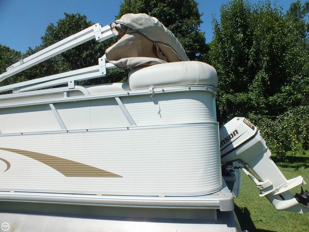 2004 Smoker Craft boat for sale, model of the boat is M 818 Infinity CR & Image # 34 of 40
