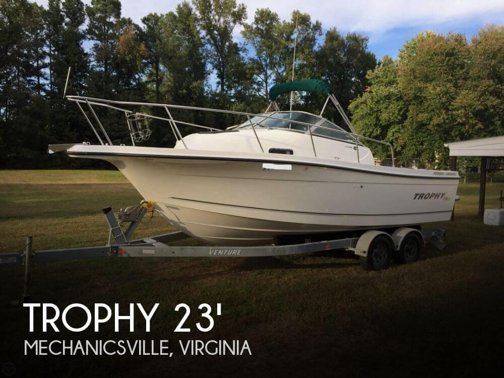 2005 TROPHY PRO 2352 WALKAROUND for sale