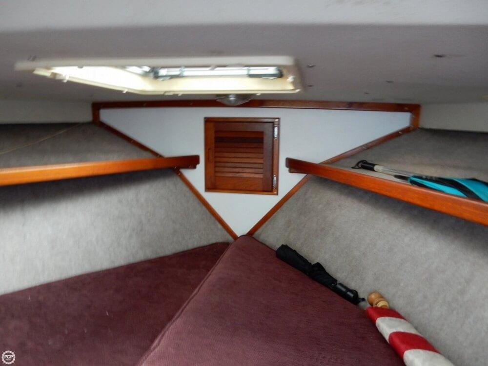 1973 Uniflite 28 Cruiser - Photo #37