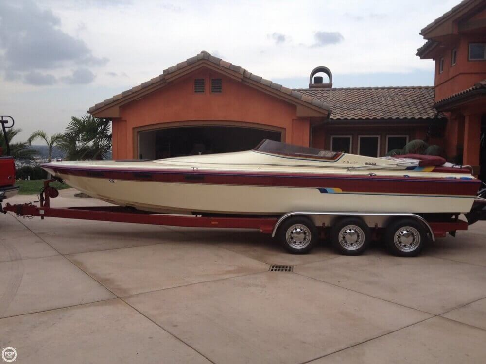 1986 Hallett boat for sale, model of the boat is 7.9 EXP & Image # 21 of 26