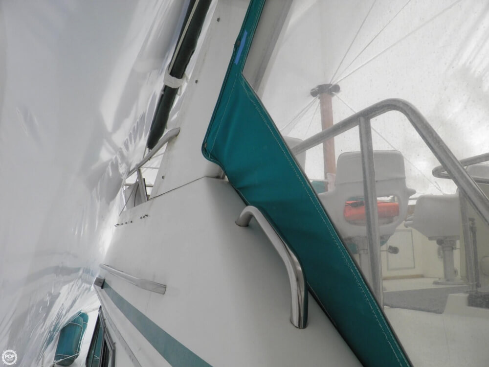1989 Sea Ray 380 AFT CABIN - Photo #18