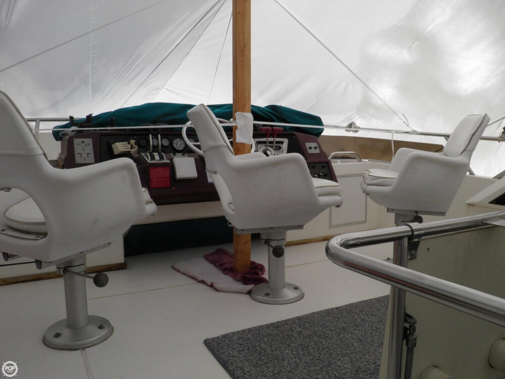 1989 Sea Ray 380 AFT CABIN - Photo #2