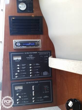 2006 Regal 2665 Commodore - Photo #7