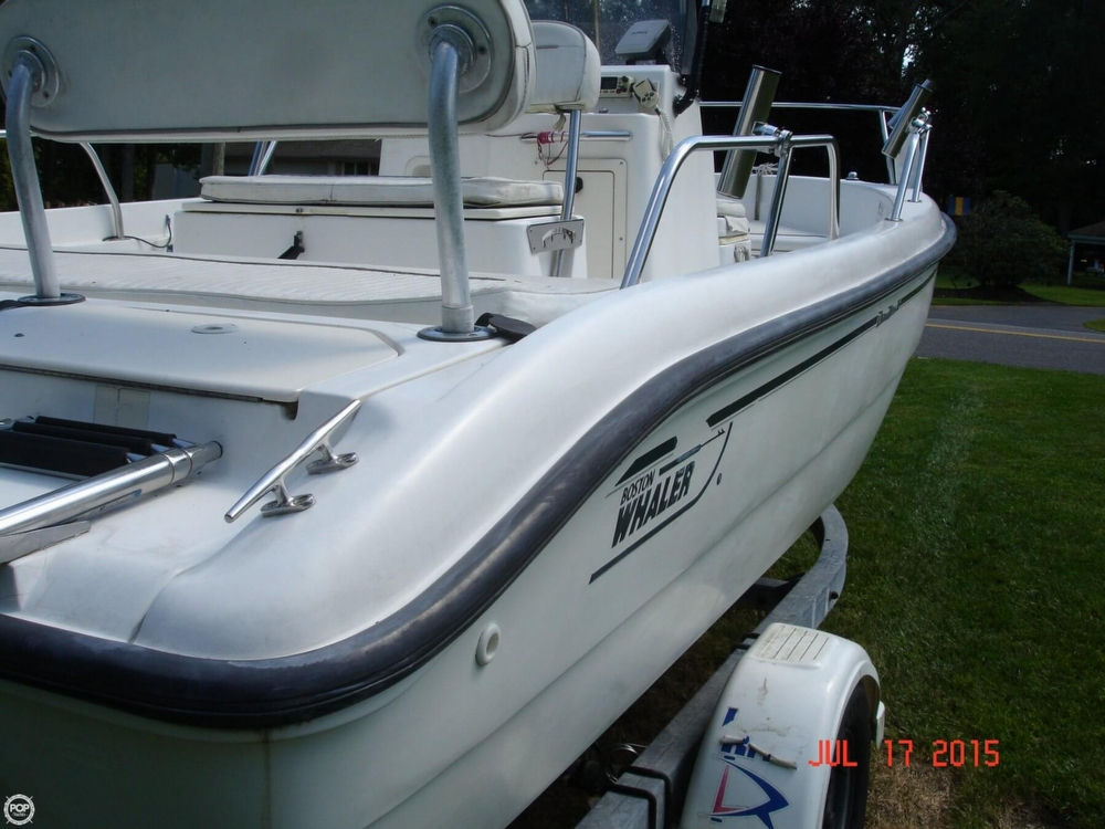 2001 Boston Whaler 18 Dauntless - Photo #6
