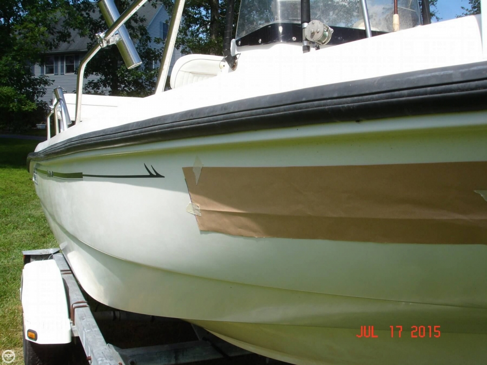 2001 Boston Whaler 18 Dauntless - Photo #21