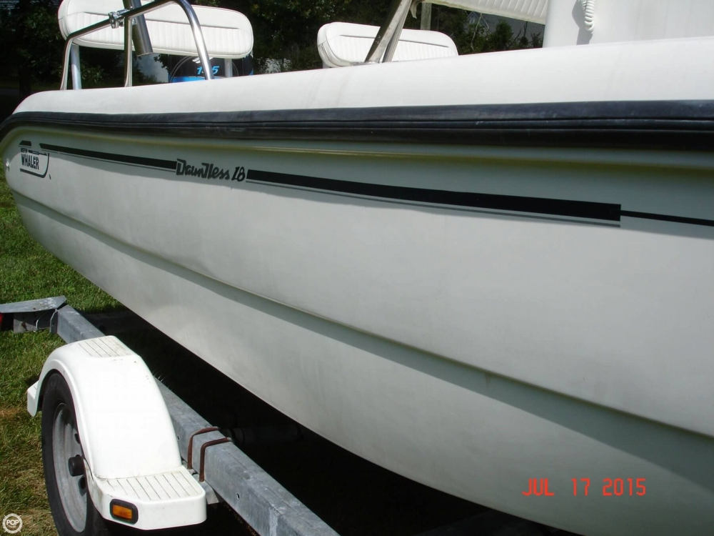 2001 Boston Whaler 18 Dauntless - Photo #22