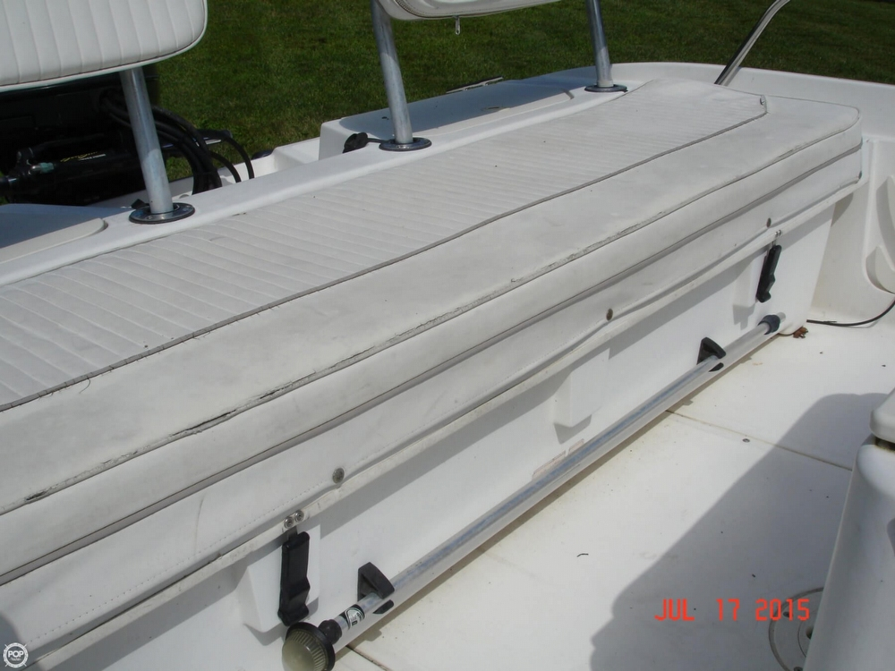 2001 Boston Whaler 18 Dauntless - Photo #31