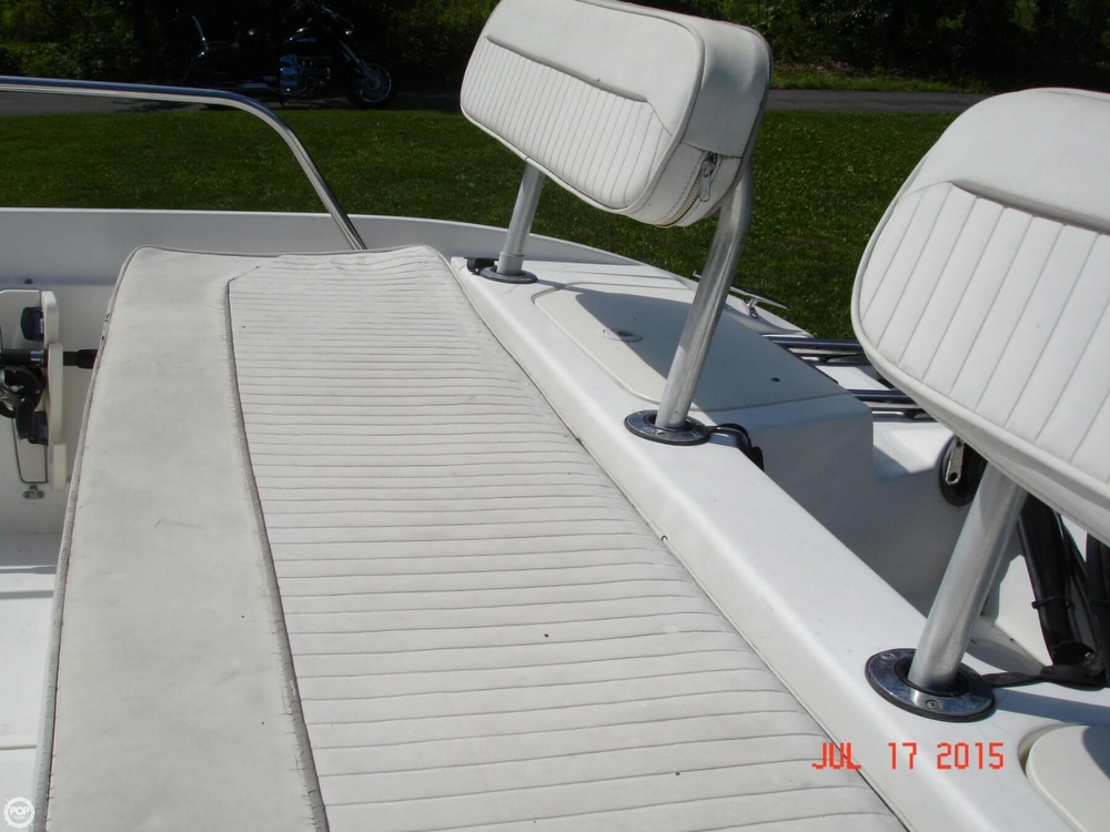2001 Boston Whaler 18 Dauntless - Photo #33