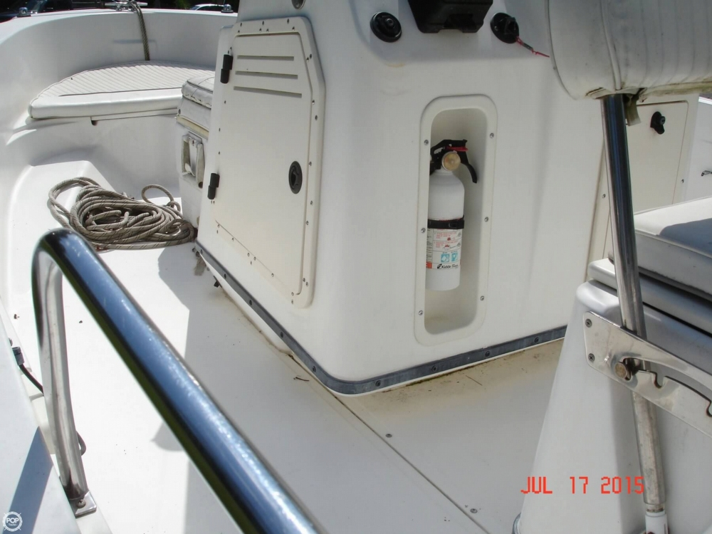 2001 Boston Whaler 18 Dauntless - Photo #36