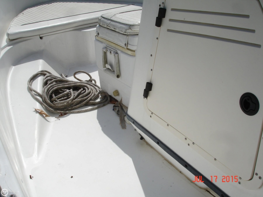 2001 Boston Whaler 18 Dauntless - Photo #38