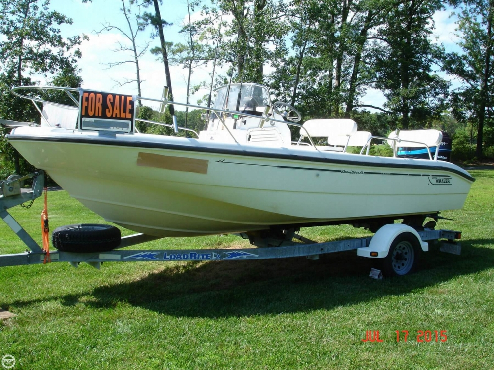 2001 Boston Whaler 18 Dauntless - Photo #2