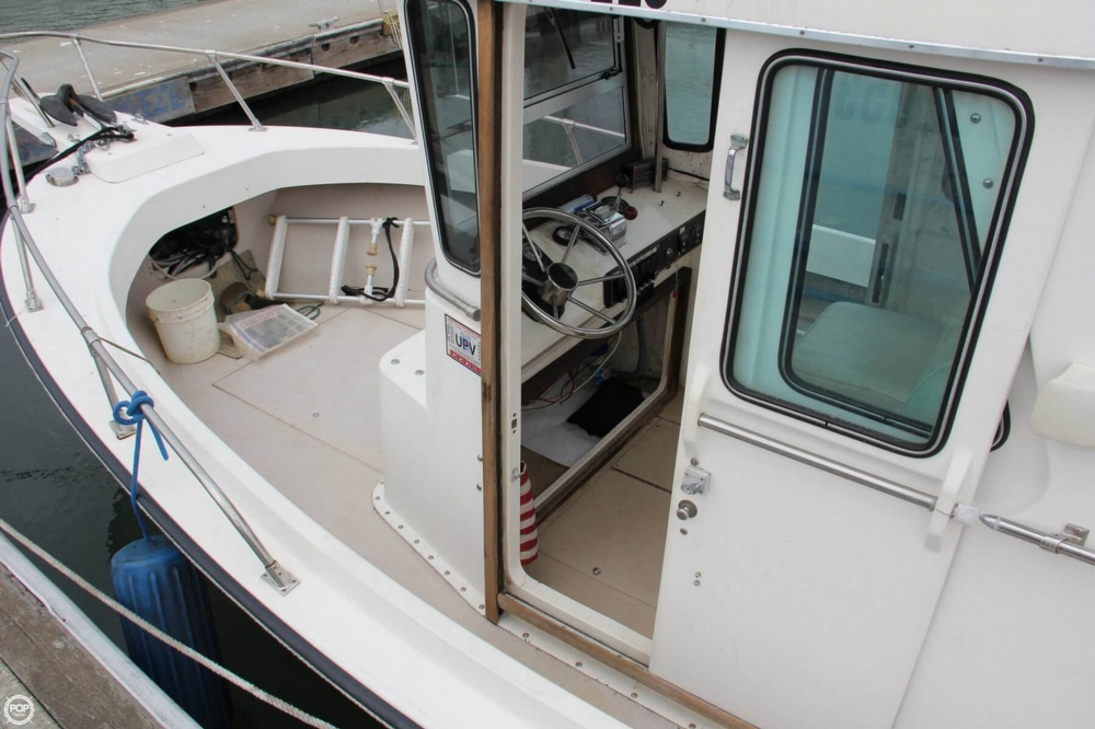 1988 Shamrock boat for sale, model of the boat is 20 Pilothouse & Image # 13 of 40
