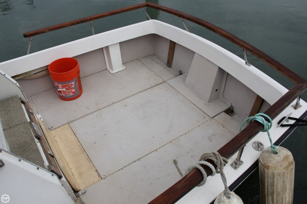 1988 Shamrock boat for sale, model of the boat is 20 Pilothouse & Image # 18 of 40
