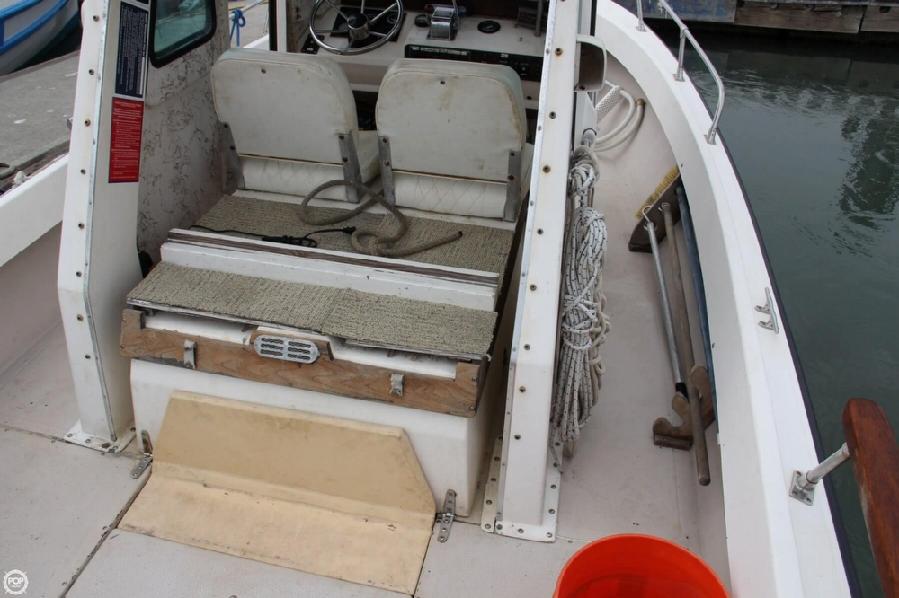 1988 Shamrock boat for sale, model of the boat is 20 Pilothouse & Image # 20 of 40