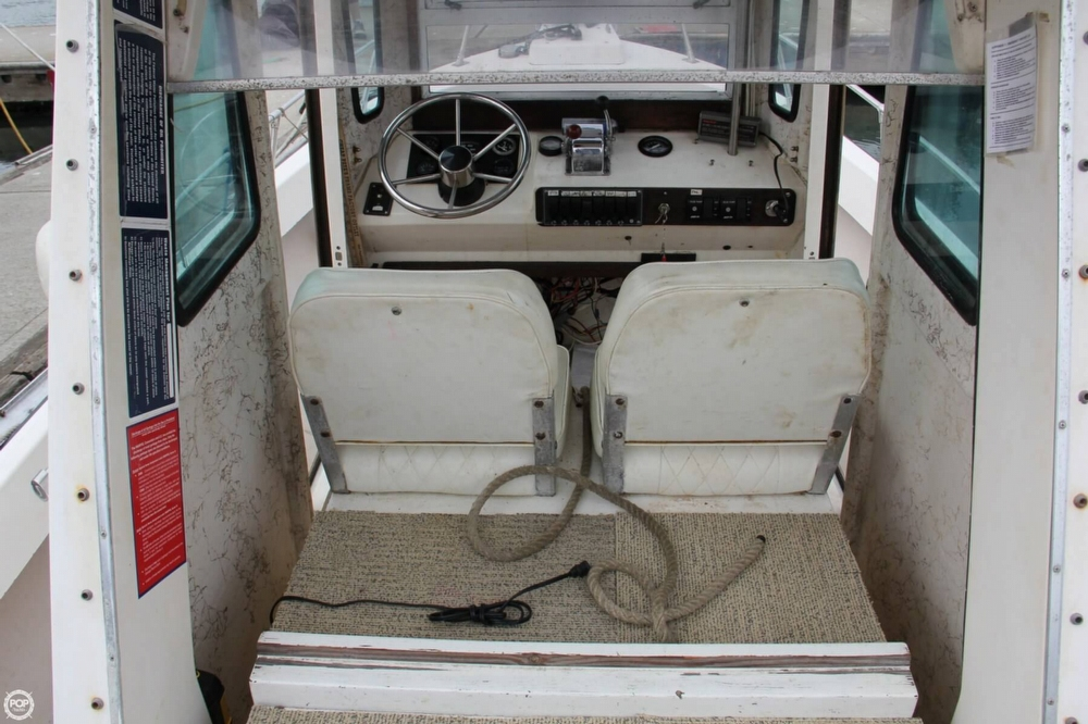 1988 Shamrock boat for sale, model of the boat is 20 Pilothouse & Image # 25 of 40