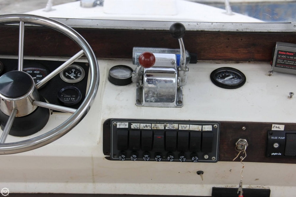 1988 Shamrock boat for sale, model of the boat is 20 Pilothouse & Image # 28 of 40