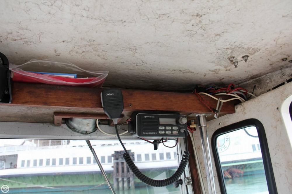 1988 Shamrock boat for sale, model of the boat is 20 Pilothouse & Image # 32 of 40