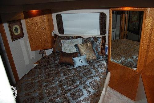 1996 Sea Ray 420 Aft Cabin - Photo #13